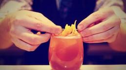 cocktails making 2