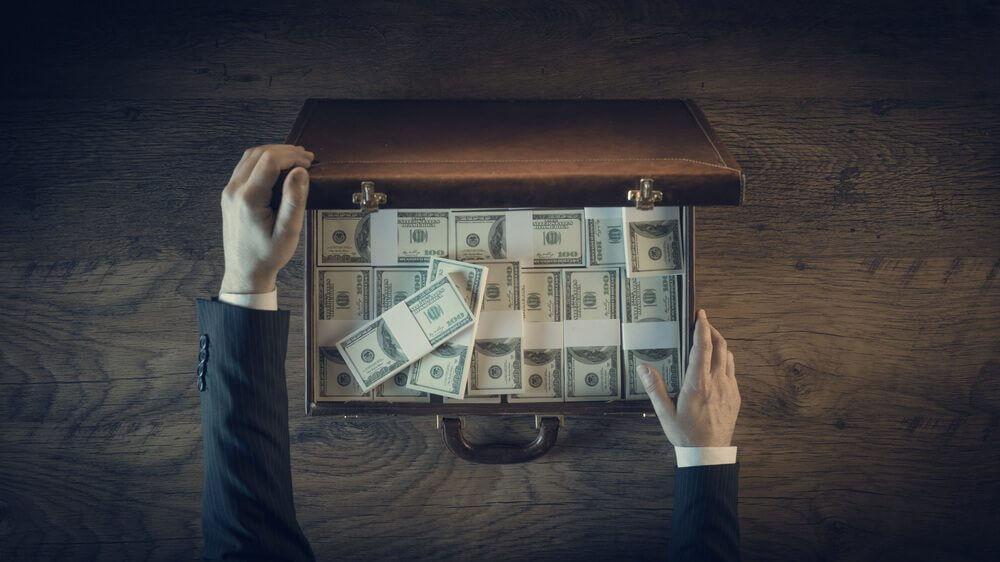 Taken - Case full of cash