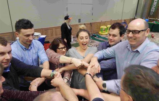 Best Indoor Team Building Activities The Top 10 Creative Ideas
