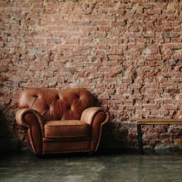 Virtual Dragons Den Team Building Leather Chair