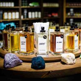 Virtual Perfume Making Perfumes